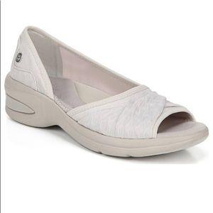 Bzees Remix sandal peep toe slip on beige gray 8